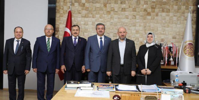 Afyon Vizyon Sahibi Bir Belediye Başkanına Sahip