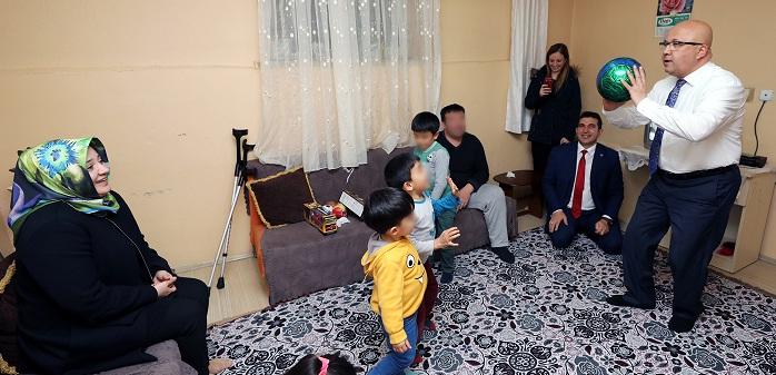 Başkan çoban Ve Eşi Ev Ziyaretlerine Devam Ediyor