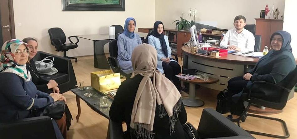 Ak Parti Kadın Kollarından Başkan Karakuş'a Ziyaret