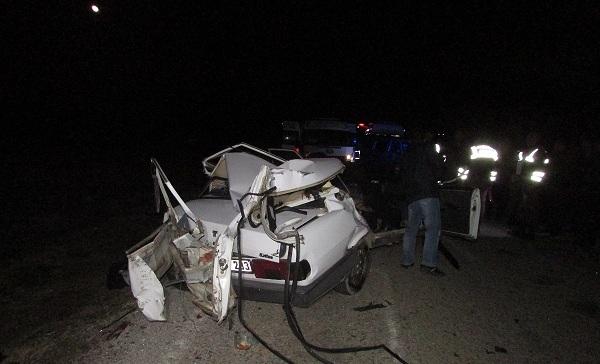 Sandıklı'da Trafik Kazası: 2 ölü 2 Yaralı