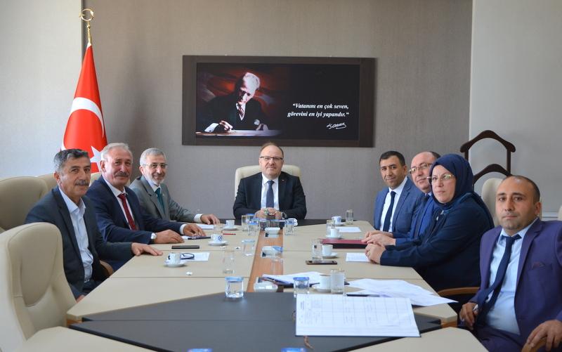 İl Encümen Toplantısına Vali Tutulmaz Başkanlık Etti