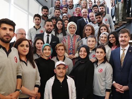 """Emine Erdoğan: """"türk, Kürt, Arap Ayrımı Yapmadan, Umutsuzluk Ve Korkuyu Bu Topraklardan Sileceğiz"""""""
