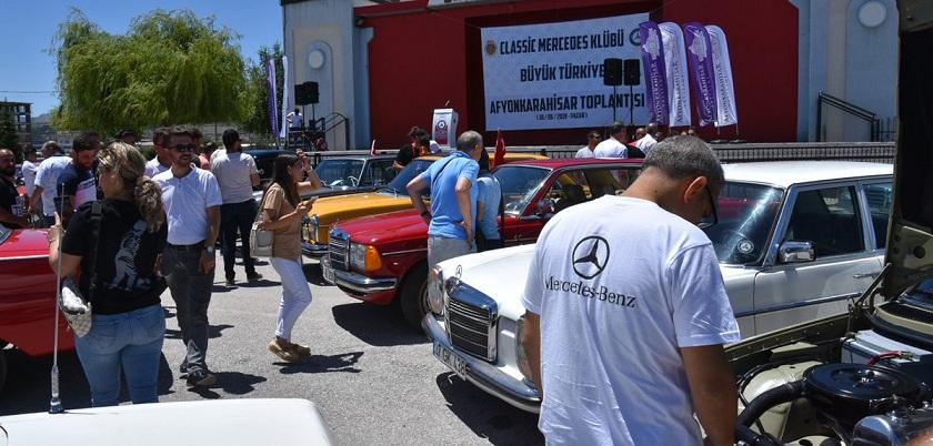 Türkiye Classic Mercedes Kulübü üyeleri Afyonkarahisar'da