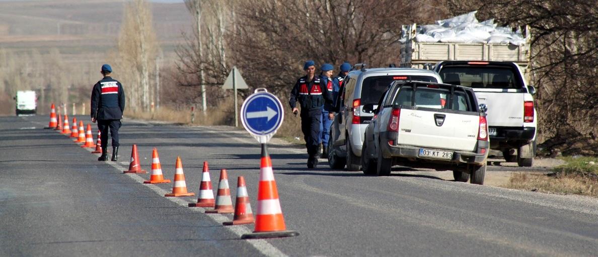 Jandarma 1305 Aranan Kişiyi Yakaladı..