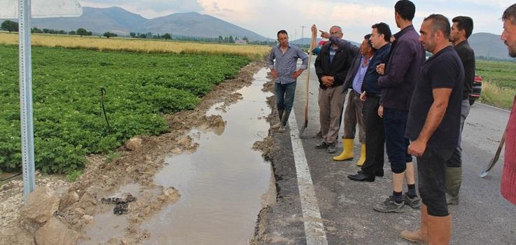 Dinar Göçerli Köyü'nü Sel Bastı..