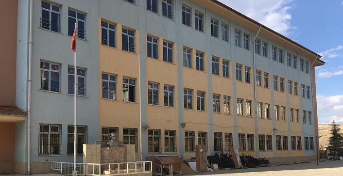 Eski Milli Eğitim Müdürü Tahtaoğlu'nu Arar Olduk