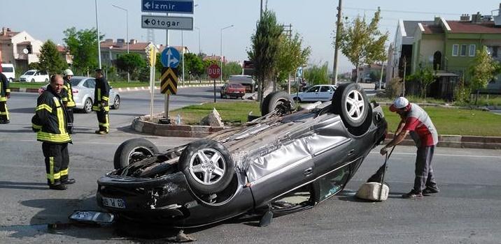 Afyon'da Trafik Kazasında Karı Koca Yaralandı