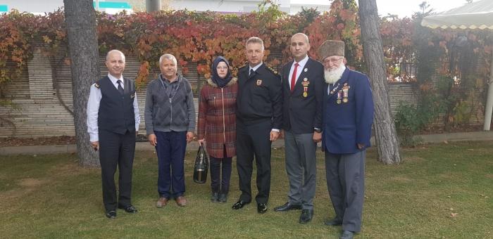 Kumartaşlı Ve şehit Aileleri İl Jandarma Komutanı Hamza çömez'i Ziyaret Etti
