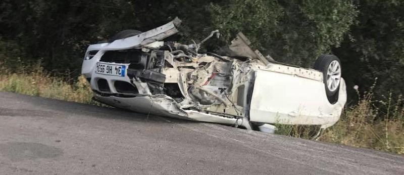 Kamyona çarpan Araç Takla Attı 2 Yaralı