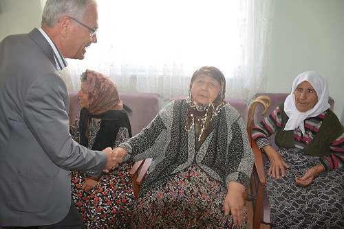 Yaşlılar Gününde Acar'dan Ziyaret
