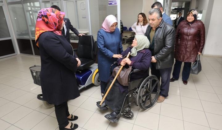 Belediye Engelli Bireylerin Yüzünü Güldürmeye Devam Ediyor