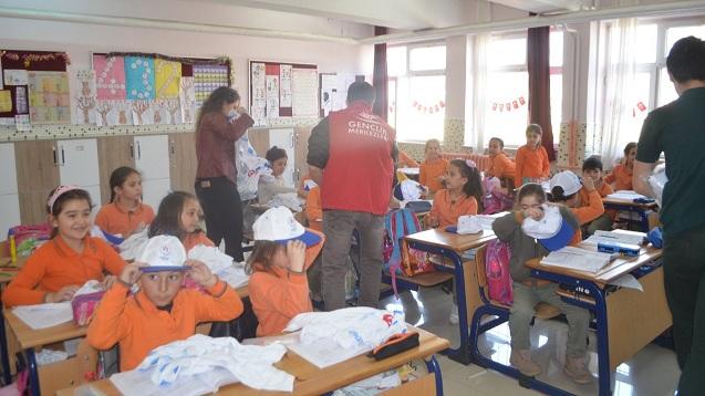 Gençlik Merkezi Yavuz Selim İlkokulundaki öğrenciler İle Buluştu