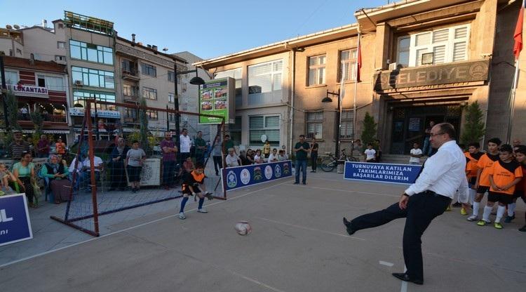 Sokak Futbol Turnuvası Başladı