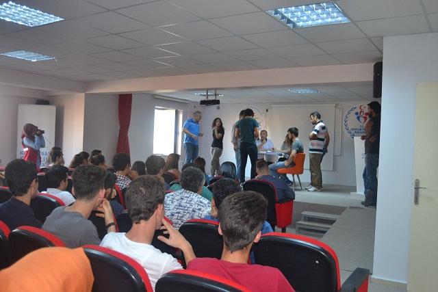 Geleneksel 4. Kum Voleybolu Turnuvası Eşleştirmeleri Karahisar Gençlik Merkezinde Yapıldı