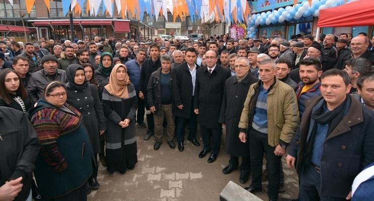 Sandıklı Ak Parti Seçim Bürosu Törenle Açıldı