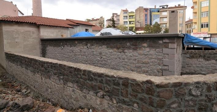 Tarihi Hamam Restorasyonu Devam Ediyor