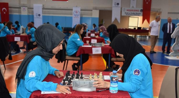 Yurtkur 34. Satranç Turnuvası Türkiye Finali Afyonkarahisarda Başladı