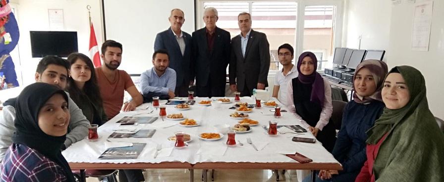 Ankara'daki Afyonkarahisarlı Gençler Dernek Genel Merkezinde Buluştu
