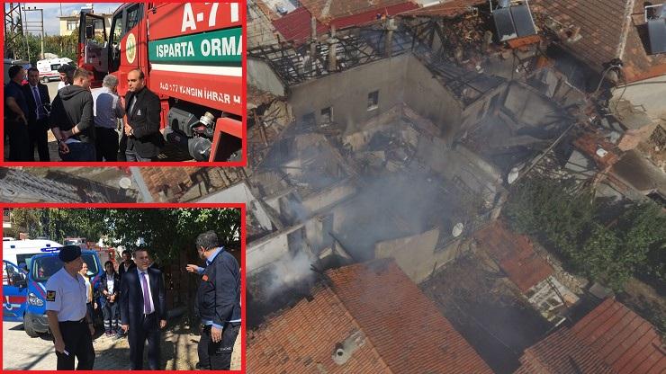 Dinar'da 3 Ev'de Yangın