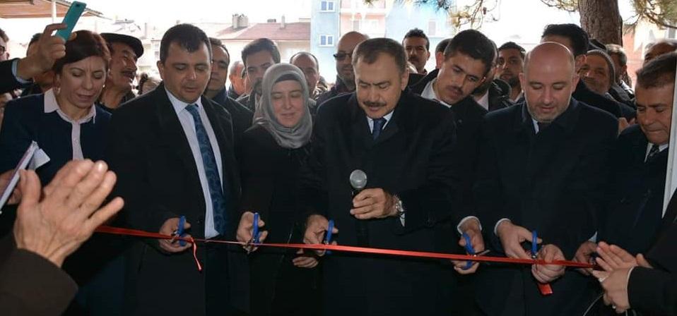 Bakan Eroğlu,serkan Başkanın Yüksek Okul Ricasını Kırmadı